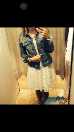 Süße schicke Jeansjacke