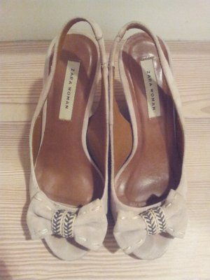 Süße Schuhe mit Keilabsatz