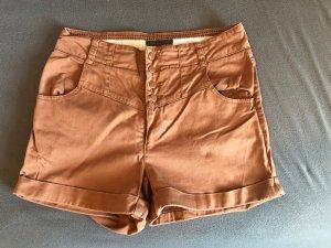 Review High-Waist-Shorts russet