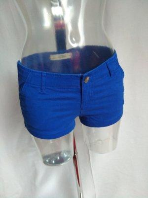 süße Short in einem schönem Blau