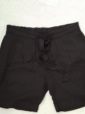 Süße Shorts in schwarz