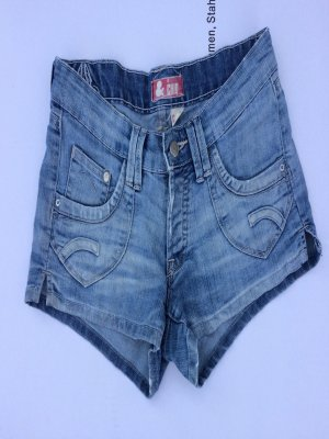 Süße Shorts von H & M in Gr. W28 guter Zustand