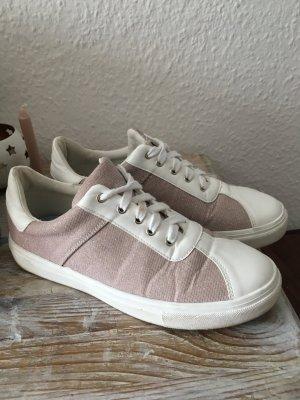 Süße Sneaker in Rosé