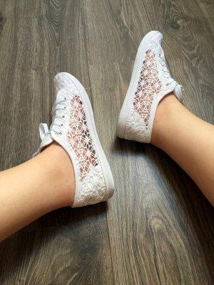 Süße sommerliche Schuhe