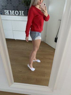 Süße Sommershorts aus Jeans mit Spitze