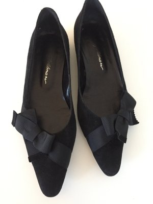 Beverly Feldman Ballerinas black