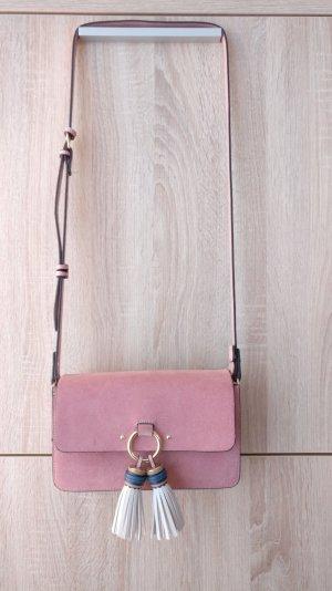 Süße stylische Tasche in gedekte rosa