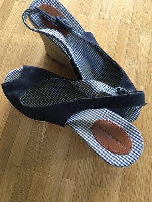 Süße topaktuelle Hilfiger Sandalen in dunkelblau