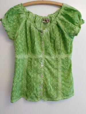 süße Trachtenbluse in hellgrün