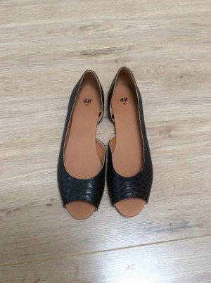 Süße ungetragene Schuhe von H&M