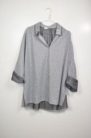 Süße Vintage Bluse mit Spitze und Blumen Stickerei am Kragen Grau Meliert