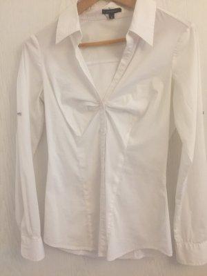 Süße weiße Bluse mit raffung