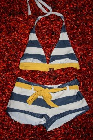 süßer Bikini im Marinelook