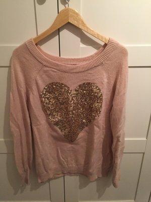 Süßer flauschiger Pullover
