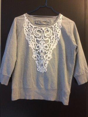 Süßer Frühlings-Pullover