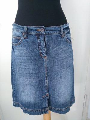 Süßer Jeans-Minirock in leichter A-Linie