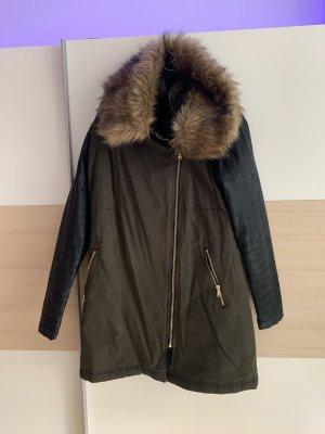 Süßer Mantel mit Fakefur und Fakeleder