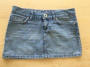 Süßer Minirock aus Jeans