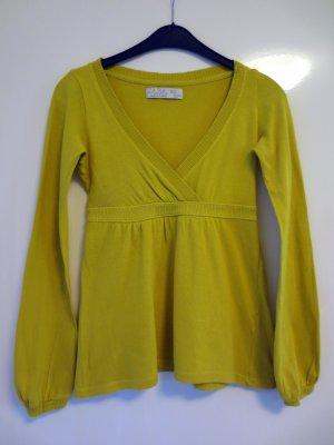 Süßer Pullover für den Herbst