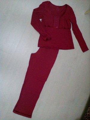 Süsser Schlafanzug/Pyjama