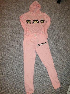 Süßer Schlafanzug rosa