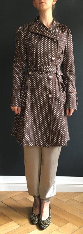 süßer taillierter Mantel mit kleinen Herzchen