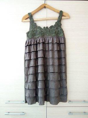 Süsses A-linie Boho Kleid mit Rüschen und Deko Blumen Gr.34/36