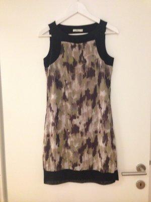 Süßes ärmelloses Kleid (letzter Preis)