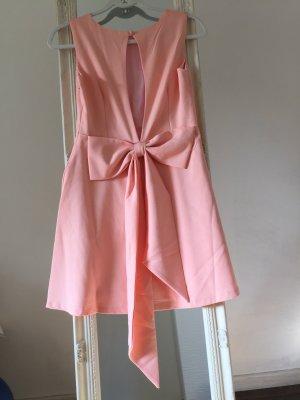 süßes Ausgestelltes Kleid mit offenem Rücken und Schleife