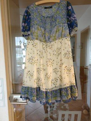Süßes Babydoll patchwork Kleid von Vero Moda