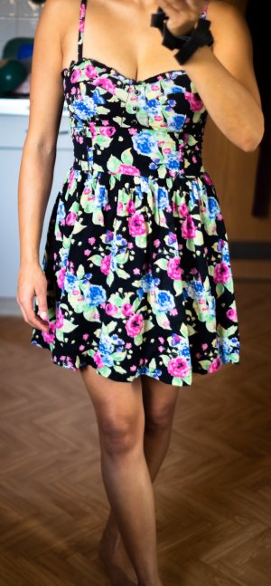 Süßes Blümchenkleid, H&M, Größe 32-34
