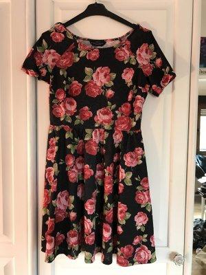Süßes Blumen Kleidchen
