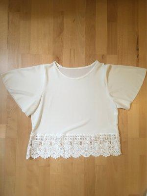 Süßes Blusenshirt mit Spitzenbesatz in off-white