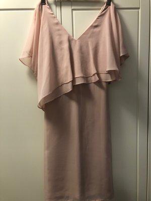 Süßes elegantes Chiffonkleid mit Bindegürtel helles lachs