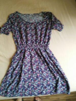 süßes geblümten Sommer Kleid