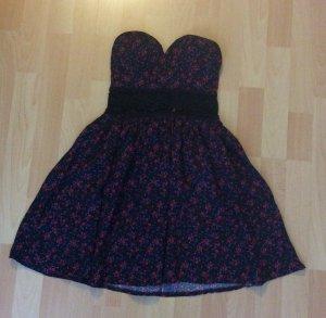 Süßes geblümtes Kleid mit Push-up in der Größe 34 (NEU)