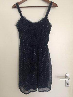 Süßes gepunktetes Sommerkleid von Zara