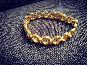 süßes goldenes Armband