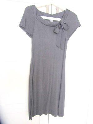 süßes graues figurbetontes Kleid mit Schleife