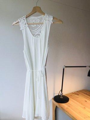 Süßes H&M Sommerkleid mit Spitze