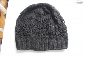 H&M Crochet Cap black cotton