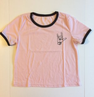 Süßes hellrosa T-Shirt in der Größe S in guten Zustand. Wie neu!