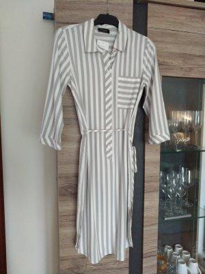 Süßes Hemdkleid mit Streifen