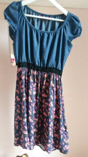 süßes Jeans Blümchen Kleid