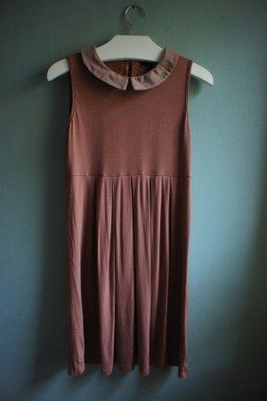 süßes Jerseykleid mit Bubikragen
