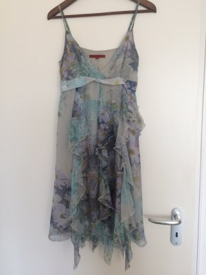 Süßes Kleid für den Sommer und festliche Anlässe