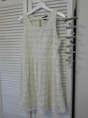 Süßes Kleid in Creme aus Spitze, Neu mit Etikett!