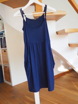 Süßes Kleid in dunkelblau