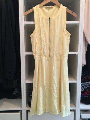 Süßes Kleid in gelb von Mint & Berry