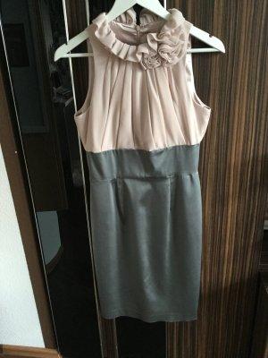Süßes Kleid in grau rosa